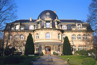 Hambourg, le cimetière de Ohlsdorf et le lion de Istedt (2/6)