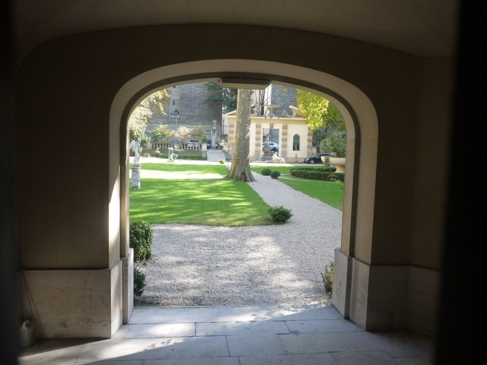 Paris, les journées du patrimoine, l'hôtel de Béhague, ambassade de Roumanie, bibliothèque de l'Arsenal (2/6)