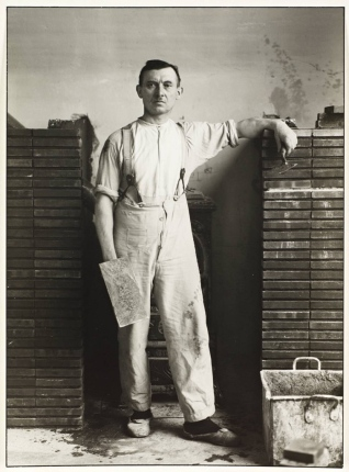 Master Mason 1926 August Sander 1876-1964 ARTIST ROOMS Tate and National Galleries of Scotland. Lent by Anthony d'Offay 2010 http://www.tate.org.uk/art/work/AL00032